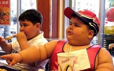 В развитых и развивающихся странах свыше 50% детей страдают ожирением