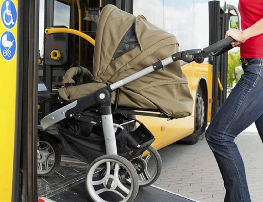 В Смоленске водитель автобуса №22 зажал дверями 2-месячного ребенка