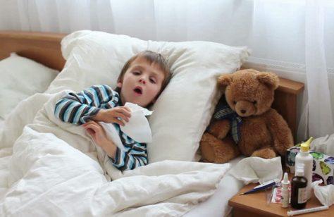 Кто может взять больничный по уходу за ребенком
