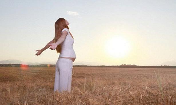 Ученые выяснили, зачем беременным добавки с витамином D
