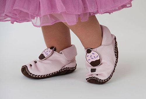 Туфельки для малышек в клубе Мамси