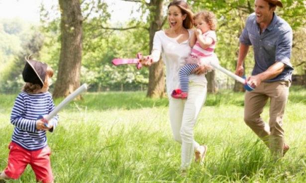 Родителям нужно дразнить детей ради защиты от будущих депрессий