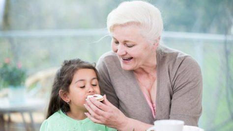 Забота бабушек и дедушек может являться причиной детского ожирения
