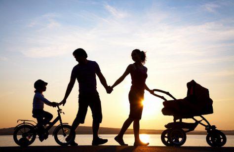 Почему усыновленные дети порой похожи на новых родителей