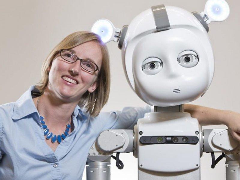 Через 20 лет всех нянечек должны заменить роботы