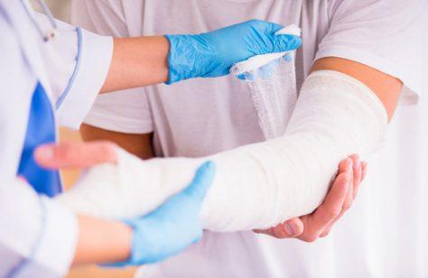 Почему вредно дуть на рану