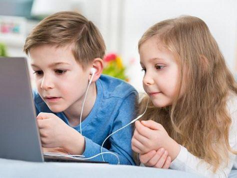 Даже полчаса интернета в день портят детей