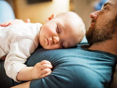 Дневной сон помогает малышам запоминать новые слова