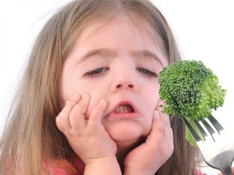 Как заставить капризного малыша нормально кушать