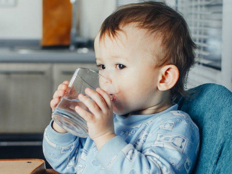«Детская» минеральная вода может быть опасной
