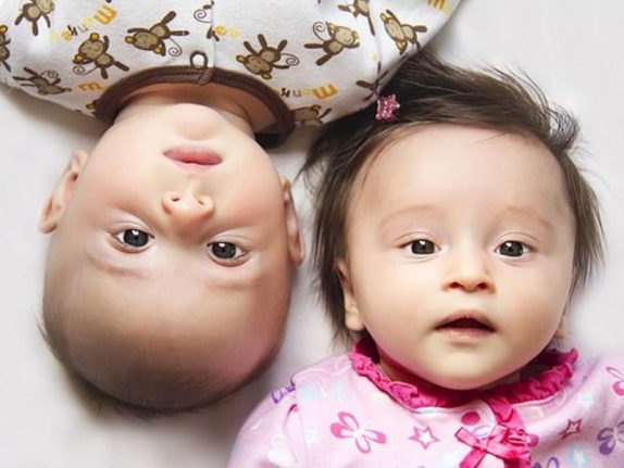 Сестры братьев-близнецов реже выходят замуж и рожают детей