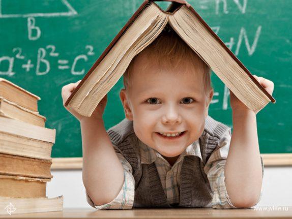Почему современные дети не торопятся говорить?