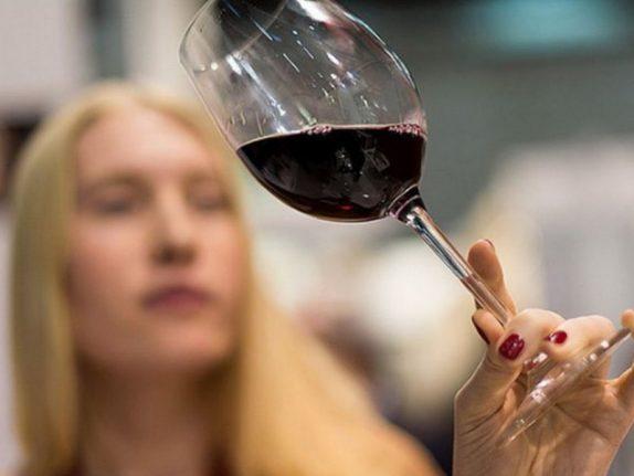 Женщины после родов употребляют слишком много алкоголя
