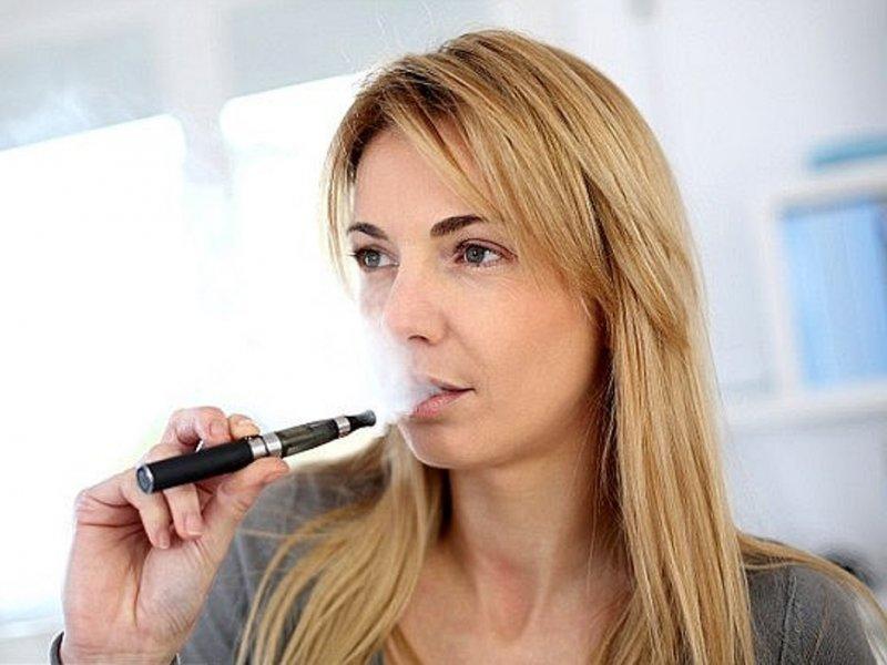 Беременные продолжают курить электронные сигареты