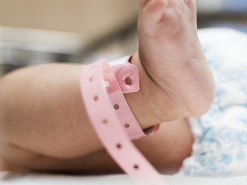 У жительницы Великобритании родился ребенок без кожи