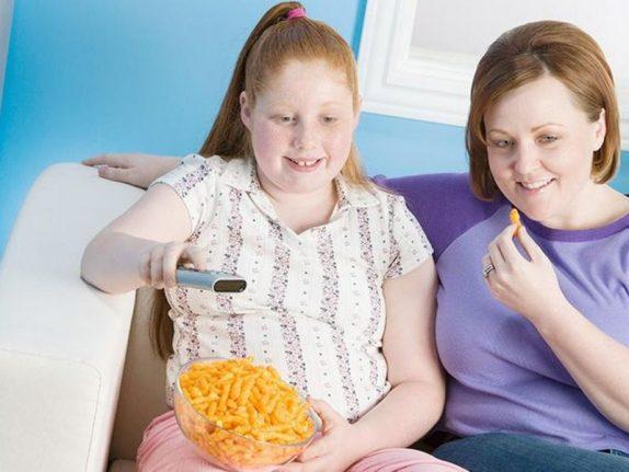 Более половины родителей не видят лишний вес у своих детей