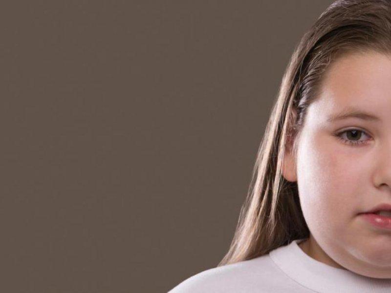 Травля детей из-за веса делает их ещё более толстыми