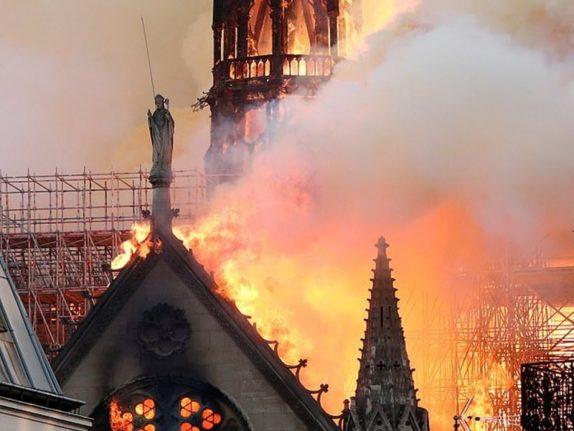Пожар собора в Париже мог отравить детей и беременных свинцом