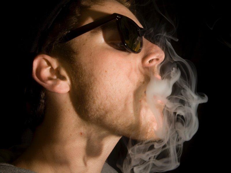 Курение будущего папы опасно для его сыновей