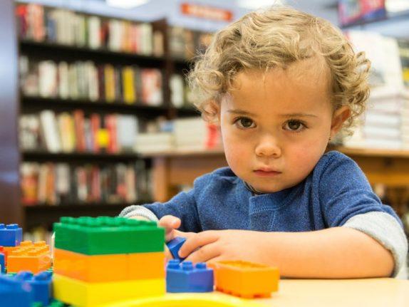 Основной причиной аутизма назвали генетику
