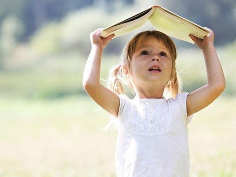 Чтение книг в раннем возрасте связано с более успешной учебой и дальнейшей жизнью