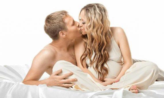 Секс во время беременности: баланс вреда и пользы для малыша и мамы