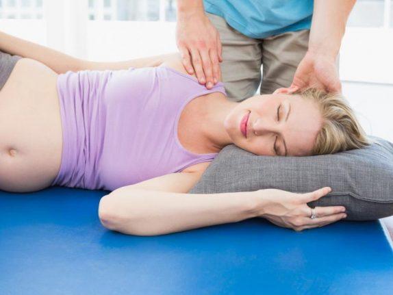 Сон в любой позиции не оказывает вреда для беременных женщин