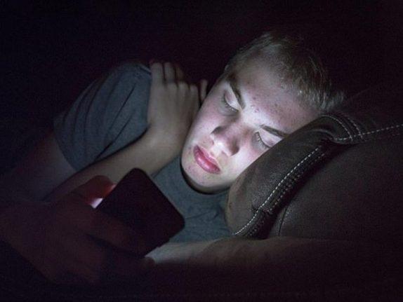 Недосып у школьников превращается в ожирение