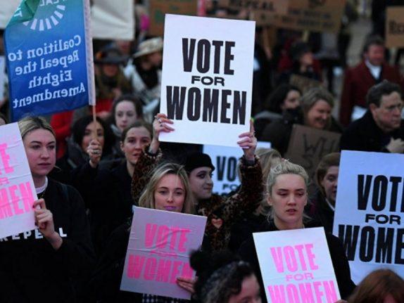 Десятки тысяч голосуют за запрет на аборты в Словакии