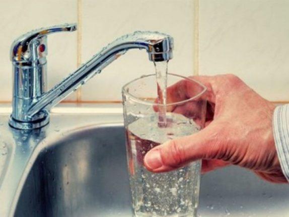 Определен самый простой способ похудеть с помощью воды