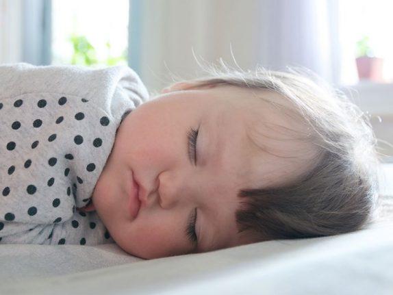 Что могут означать проблемы со сном у младенца