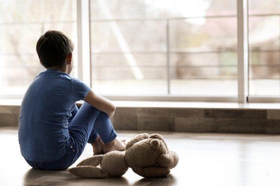 Аутизм у ребенка: 10 признаков, чтобы его распознать
