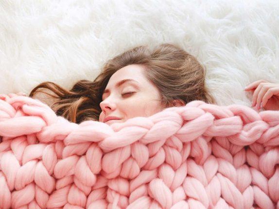 Врач Ирина Добрецова рассказывает о правилах крепкого сна