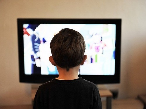 Как экранное время в раннем детстве влияет на физическую активность в дошкольном возрасте