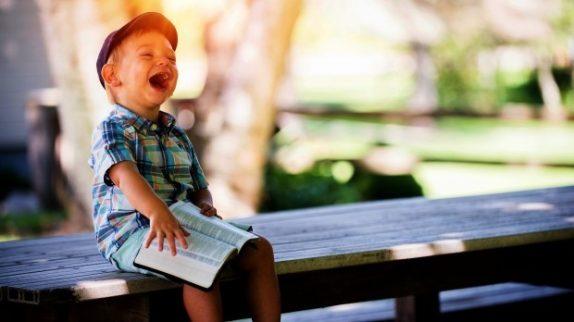 5 причин читать вслух ребенку, который уже умеет это делать