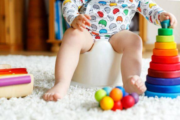 Проблемы со стулом у ребенка: что поможет малышу от запоров