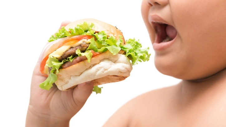 Названы новые потенциальные последствия детского ожирения
