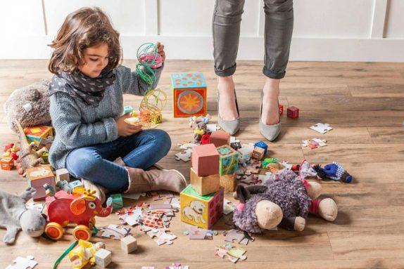 Как при помощи детских игрушек малыши познают мир