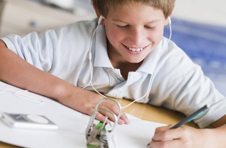 Ученые определили лучший возраст для воспитания музыкального вкуса у детей