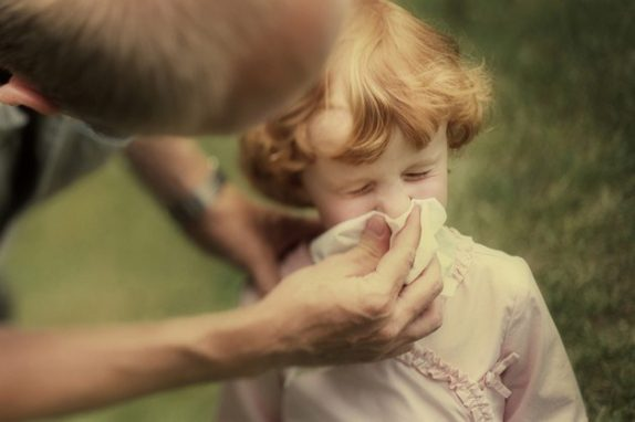 Как очистить носик малыша: пользуемся аспиратором