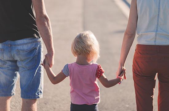 Эксперты Роспотребнадзора рассказали , как уберечь детей от COVID-19