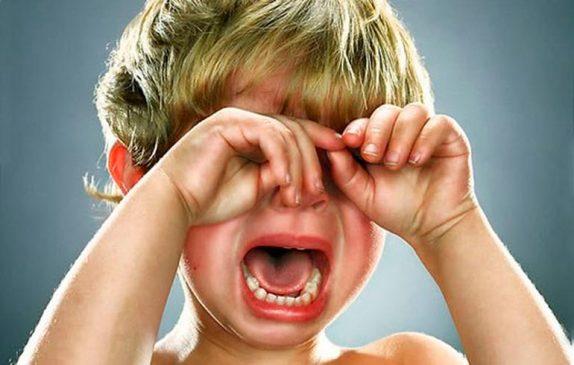 5 необычных приемов, чтобы прекратить детскую истерику