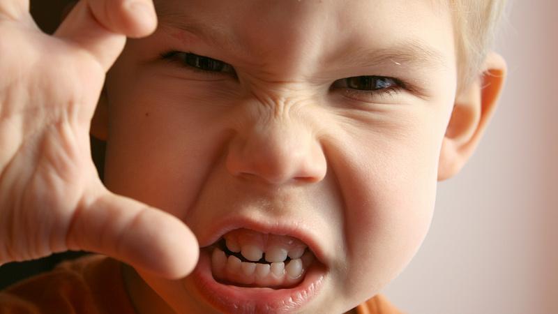 Насилие и пренебрежительное отношение к ребенку принесет ему болезни сердца и сосудов