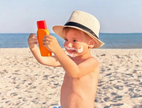 Солнечный ожог у ребенка: главные правила лечения