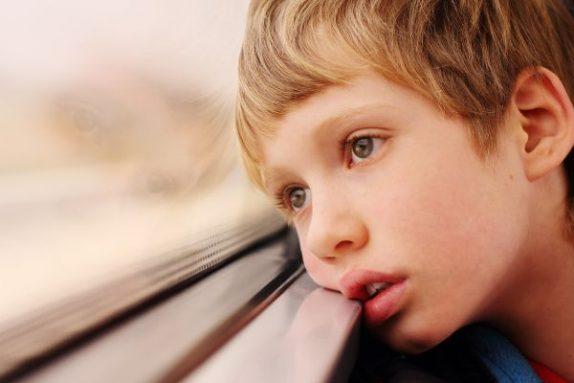 Названы тревожные признаки психических расстройств у ребенка