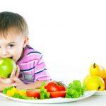 Названы девять главных правил детского питания