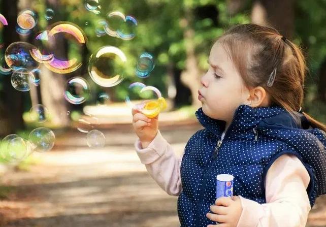 Ученые выяснили, какие дети более предрасположены к астме и аллергиям