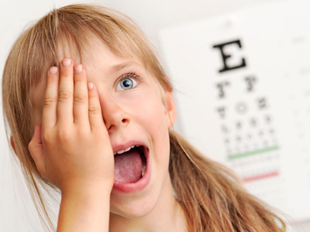5 лучших продуктов для улучшения зрения ребенка