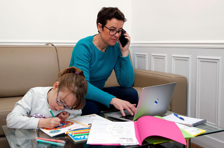 Обучение ребенка на дому: о пользе и не только