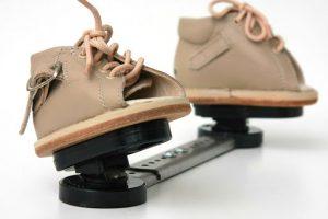 Брейсы — детская ортопедическая обувь для исправления косолапости